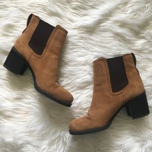 [Sam Edelman] Hanley Suede Chelsea Heeled Boots